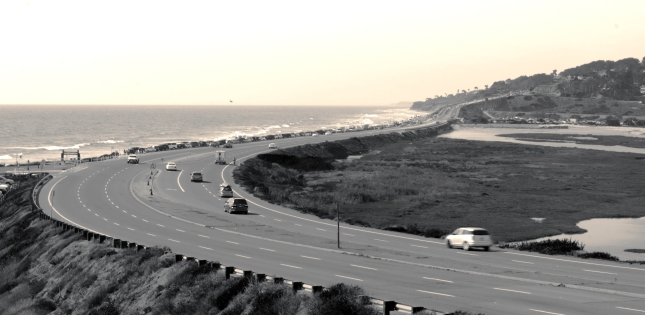 Road along the beach in Del Mar